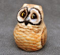 Cute little Brown Owl pie funnel pie bird by Babbacombe Pottery