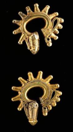 Indonesia ~ Sumatra | Pair of silver gilt earrings. Batak | 150 €  ~ sold