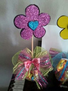 Yhh Foam Crafts, Diy And Crafts, Floating Tea Cup, Chocolate Flowers Bouquet, Balloon Basket, Teachers Day Card, Candy Bouquet, Ideas Para Fiestas, Candy Party