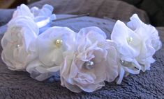 Rosas de organza e miolo com perolas passo a passo