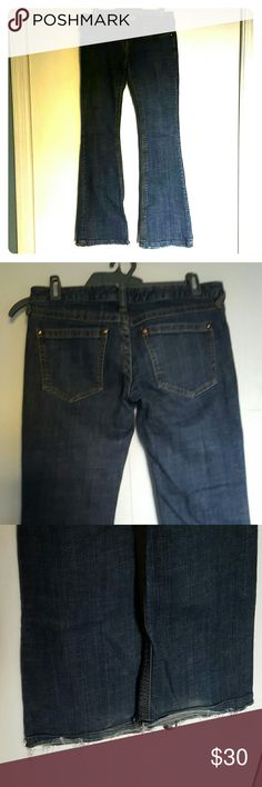 Free people flare leg jean sz 26 Got these on posh but they are too big in the waist for me. Frayed hem is part of original cut. No flaws excepr a little evidence of wear on bottoms. Inseam is approx 31 to 32 Free People Jeans Flare & Wide Leg