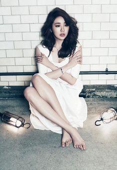 kmagazinelovers: Yoon Eun Hye and Seo Kang Joon - High Cut Magazine Vol. Yoon Eun Hye, Korean Actresses, Korean Actors, Korean Dramas, Korean Women, Korean Girl, Korean Style, Korean Beauty, Asian Beauty