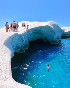 Beautiful Places To Travel, Best Places To Travel, Places To Visit, Wonderful Places, Hawaii Travel, Greece Travel, Resorts, Sarakiniko Beach, Oman Travel