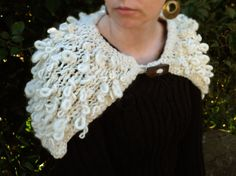 Autumn wool capelet hand knit in natural pure wool. by AMIknit, $83.00