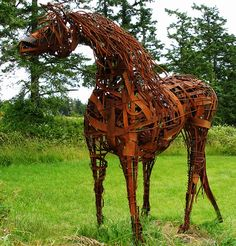 San Juan Island's Museum of Art offers a really neat 19 acre outdoor sculpture park, a 15 minute drive from the Island Inn