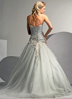 Long beautifil wedding dress