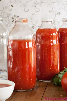 (please scroll down for recipe in English)         Korisna svojstva paradajza su davno definisana. Meni je omiljeno povrće i jedva čekam d...