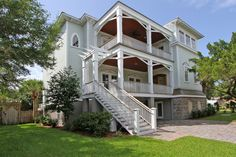 3006 Cameron Blvd, Isle of Palms SC 6 bedrooms, 5.5 bathrooms, 4,670 sq ft #charleston #dreamhome #househunting #dunesproperties  Just a block from the beach!