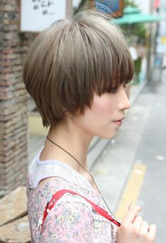 Hottest Short Japanese Hairstyle with Long Bangs (other side)