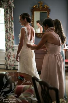 Anna and Spencer Photography, Bride Getting Ready for her Wedding at Northside United Methodist Church in Atlanta.