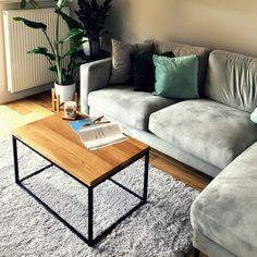 Geometryczna forma nowoczesnego stolika kawowego MELK, doskonale odnajdzie się jako piękna i funkcjonalna ozdoba każdego z wnętrz. Minimalistyczna struktura opiera się na konstrukcji złożonej z eleganckiego blatu z drewna dębowego i solidnej, metalowej podstawy. Table, Furniture, Home Decor, Decoration Home, Room Decor, Tables, Home Furnishings, Desks, Arredamento