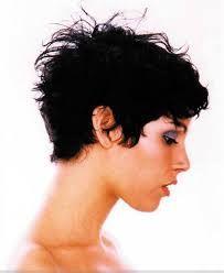 Heel veel leuke kapsels voor dames met krul of slag… Kort ...