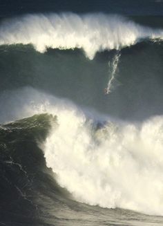 Ross Clarke-Jones. Nazaré, Portugal  Photo | José Pinto #XXLBigWave