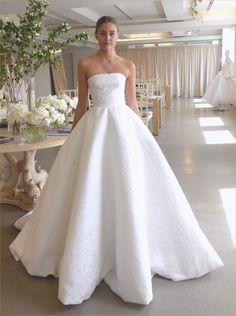 Oscar De La Renta Wedding Dresses 2019 and Unique Wedding Dresses Boho. Plain Wedding Dress, Hijab Wedding Dresses, Black Wedding Dresses, Bridal Dresses, Bridesmaid Dresses, Wedding Gowns, Wedding Bride, Hijab Bride, Hijab Dress