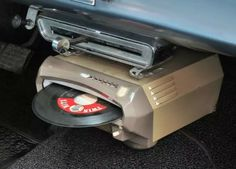The RCA in car record player. It would play 14 in a row without the driver needing to fiddle with it or change records Vintage Records, Vintage Cars, Retro Vintage, Radios, Ford Gt, Record Players, Phonograph, Philips, Audi Tt