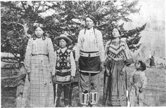 Blackfeet (Pikuni) family - no date