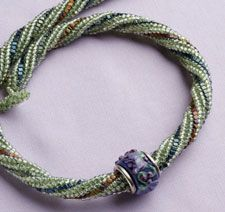 Make a stand-out herringbone chain!