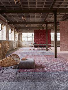 Desso&Ex karpetten Nieuw bij Vesta Hallway Carpet Runners, Interior Design Elements, Patterned Carpet, Living Room Carpet, Carpet Flooring, Pop Up, Retro Vintage, Houses