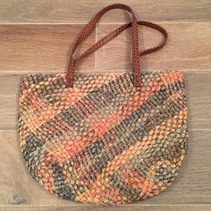 Boho straw handbag Perfect boho straw handbag for summer. Grab and go! So cute with sandals and a sundress! Bags Shoulder Bags