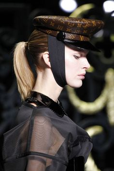 louis vuitton, runway 2011   Louis Vuitton Runway Herbst/Winter 2011/2012 head band cute top ill take please and hat but not with the logo all ouer it just the black one please