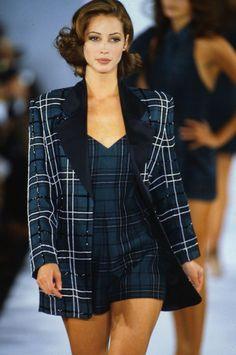 Michael kors rtw f/w 1991 2000s Fashion, High Fashion, Fashion Show, Fashion Outfits, Fashion Design, Couture Fashion, Runway Fashion, Fashion Beauty, Style Année 90