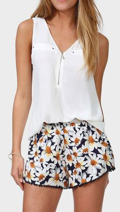 in love with these darling daisy shorts!