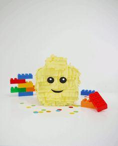 Lego Inspired Party : How To Make a Lego Head Pinata plus a Blog Hop by Bird's Party via @birdsparty