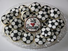 Super cute cookies for soccer party. Soccer Treats, Soccer Snacks, Football Cookies, Soccer Gifts, Soccer Party, Soccer Stuff, Cake Decorating Supplies, Cookie Decorating, Cupcake Cookies