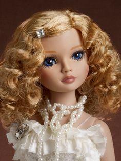 Romance & Whipped Cream | Wilde Imagination  -  Ellowyne, pinned 7-24-2015.