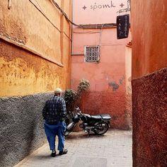 Dziś na blogu pojawił się drugi, wyczekamy wpis prosto z Marrakeszu 🌍 To właśnie z nim opowiadam Wam o wszystkich ciekawych miejscach, które warto zobaczyć będąc w sercu Maroka - miejsca piękne, miejsca ciekawe i miejsca w pewnym sensie przerażające. .  To właśnie w tym wpisie zobaczycie gdzie zimują bociany i jak się zakończyła moja historia z naciągaczem. . Zapraszam do czytania ❤️🌍 . #mellah #medinamarrakech #maroccotrip #maroccostyle #maroccostyle #medina #medyna #medinasquare #maroko… Coleslaw, Asia, Cabbage Salad, Coleslaw Salad