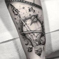 my tatoo future Badass Tattoos, Body Art Tattoos, Small Tattoos, Tattoos For Guys, Outer Space Tattoos, Tatoos, Tattoos Masculinas, Amazing Tattoos, Astronaut Tattoo