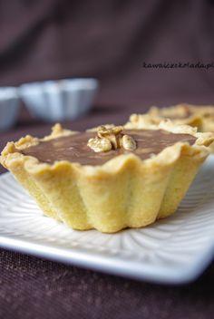 Kruche babeczki z kremem czekoladowym i orzechami | Kawa i Czekolada