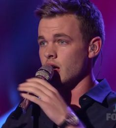 Clark-Beckham-Kelly-Clarkson-American-Idol-Video.png --He is amazing, hands down.