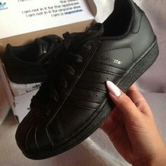 sports shoes 6d6ac e90a8 didas negros Zapatos Botines, Tacones, Zapatos Negros, Tacon Negro, Tenis Adidas  Mujer