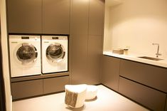 Laundry Room Inspiration, Laundry Room Design, Küchen Design, Beautiful Interiors, Interior Design Inspiration, Mudroom, Interior Decorating, Home Appliances, New Homes