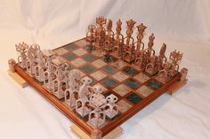 Chess Set Beginner Woodworking Projects, Woodworking Patterns, Woodworking Crafts, Woodworking Plans, Woodworking Shop, Woodworking Chisels, Intarsia Woodworking, Woodworking Basics, Woodworking Classes