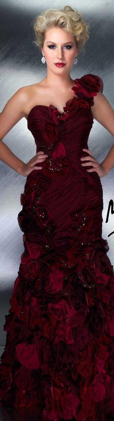 Mac Duggal couture dress bordeaux .
