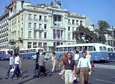 Life in the Greek capital in 1961 is presented in a film by the British Pathe. The film is a tourist tribute to Athens of Greece Pictures, Old Pictures, Enjoying The Sun, Street Photographers, Athens Greece, Public Transport, 1960s, The Neighbourhood, Greek
