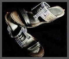 Sandalias en cuña de esparto Ioo MAWENZI LEVIs y aplicaciones en piel gris plata grafito.  FB Ioo Ideas https://www.facebook.com/ideasioo