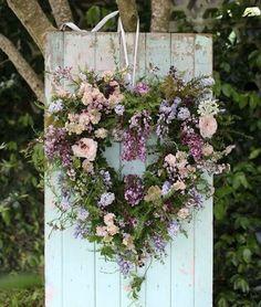 Floral heart wreath by Magnolia Rouge color-story-lilac-peach Wreath Crafts, Diy Wreath, Diy Crafts, Wreaths For Front Door, Door Wreaths, Front Doors, Corona Floral, Decoration Plante, Valentine Wreath
