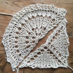 Disappearing Loop as the cast-on for a shawl that fans outward from a small number of stitches