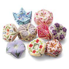 キュートな形のピンクッション めぐる季節を楽しむクロスステッチ・ビスコーニュの会(12回限定コレクション)