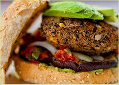 Burger veggie à base de Haricots Noirs / Hamburguesa de frijol negro vegana #vegan #singluten  @recetasveganas #recetasveganas @Mj0glutenVG #0GlutenVegeBrest #Burger #veggie #HaricotsNoirs #hamburguesa #frijolnegro #vegana