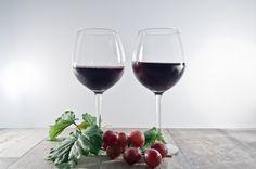 Weingläser  #wine #tasty #healthy #easter #diy #food #wein #kraeuterhausklocke