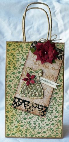 Scraps of Life: CHA Photos, Plus Christmas in July Christmas Gift Bags, Christmas Crafts For Gifts, Christmas In July, Cute Crafts, Crafts To Make, Creative Gift Wrapping, Creative Cards, Decorated Gift Bags, Paper Gift Bags