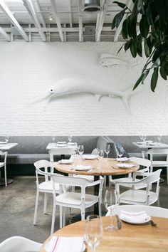 Salt Air cafe in Venice / sfgirlbybay Scandi style coffee shop Modern Restaurant, Seafood Restaurant, Restaurant Design, Cafe Interior, Interior And Exterior, Cafeteria Decor, Scandi Style, Hospitality Design, Commercial Interiors