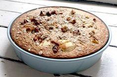 Appel havermout taart - Een voedzaam en gezond ontbijt. Dit recept smaakt overheerlijk en is makkelijk te maken. Maak het helemaal lekker met appels, bosbessen, walnoten etc...