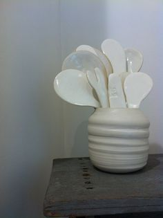 porcelaine and spoons by Nericata