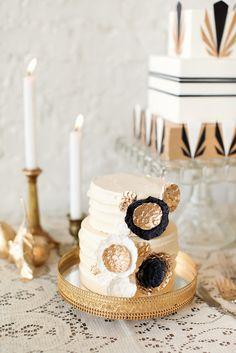 Very cool black + gold Cake #weddingcake