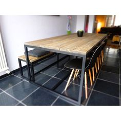 Thinkwood eetkamer tafel. Ferre. Design Originals.